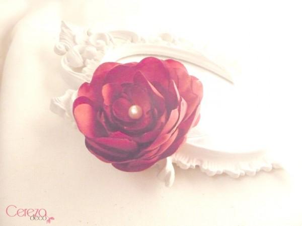 bijou de coiffure serre tete mariage fleur rouge perle ivoire cereza deco 4