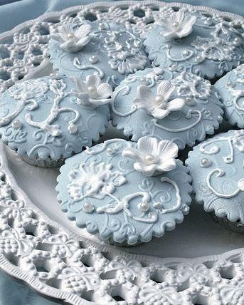 sweet table candy bar mariage bleu ciel ivoire cupcake wedding cake planche inspiration originale pinterest