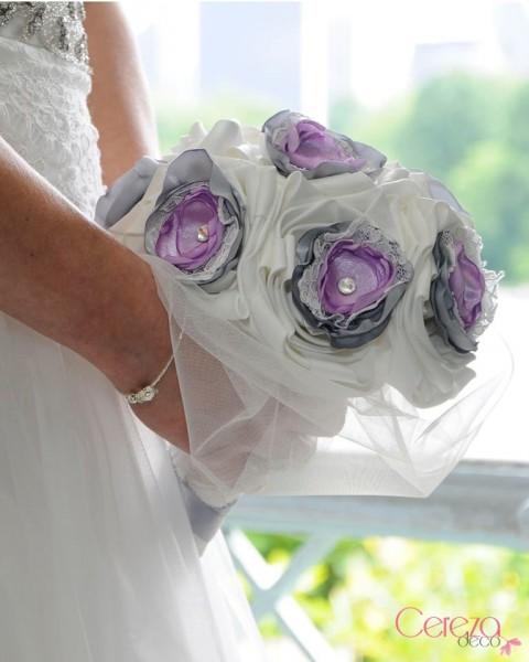 bouquet de mariee bijou éternel dentelle strass cristal ivoire parme gris cereza deco