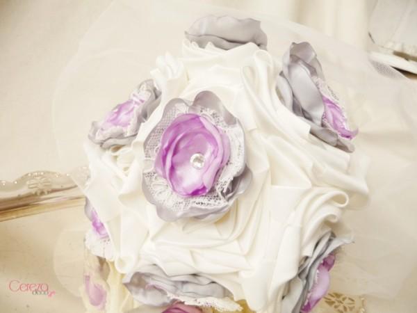 bouquet de mariage dentelle original ivoire gris parme strass cristal cereza deco 8