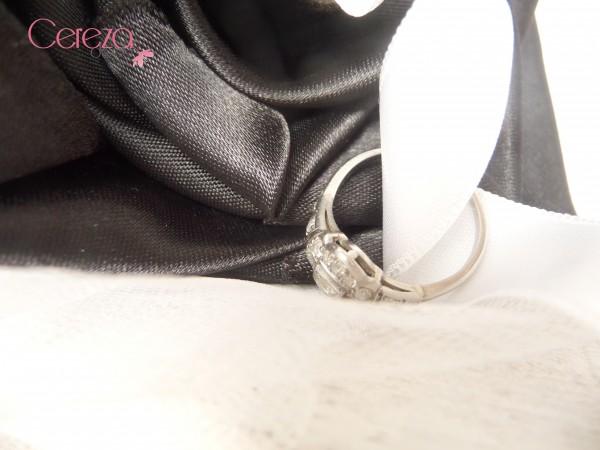 porte alliance fleur mariage original baroque blanc noir personnalisé cereza deco 2
