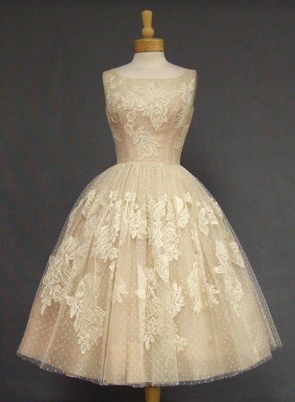 mariage ivoire rose dentelle robe de mariee cocktail vintage idee tenue originale Mademoiselle Cereza blog mariage