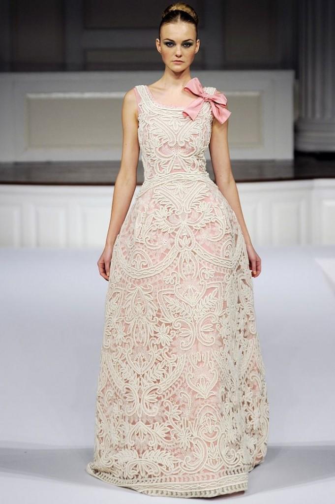 mariage ivoire rose dentelle robe de mariee oscar de la renta Mademoiselle Cereza blog mariage