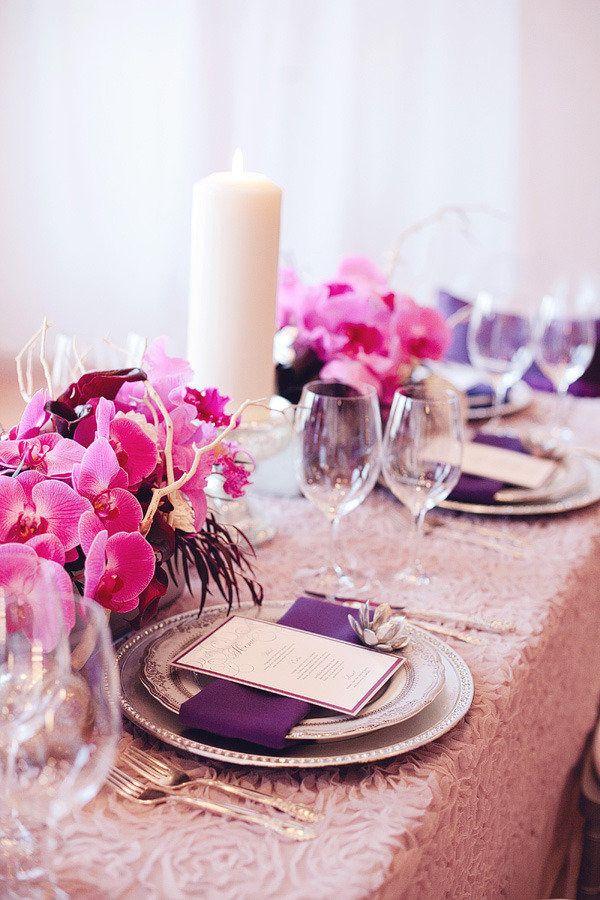 idées mariage rose violet blanc decoration florale table Mademoiselle Cereza blog mariage