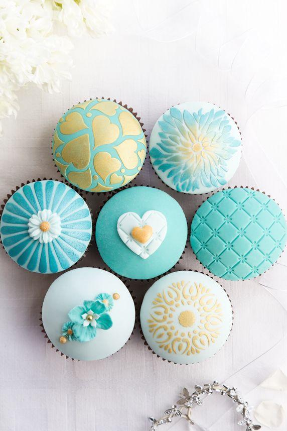 cupcake mariage turquoise blanc aqua décor travaillé