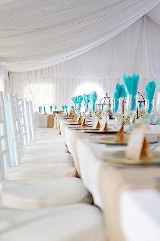 idées mariage turquoise blanc pliage serviette table mariage turquoise 2