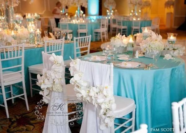 table mariage turquoise blanc déco florale orchidée table des mariés