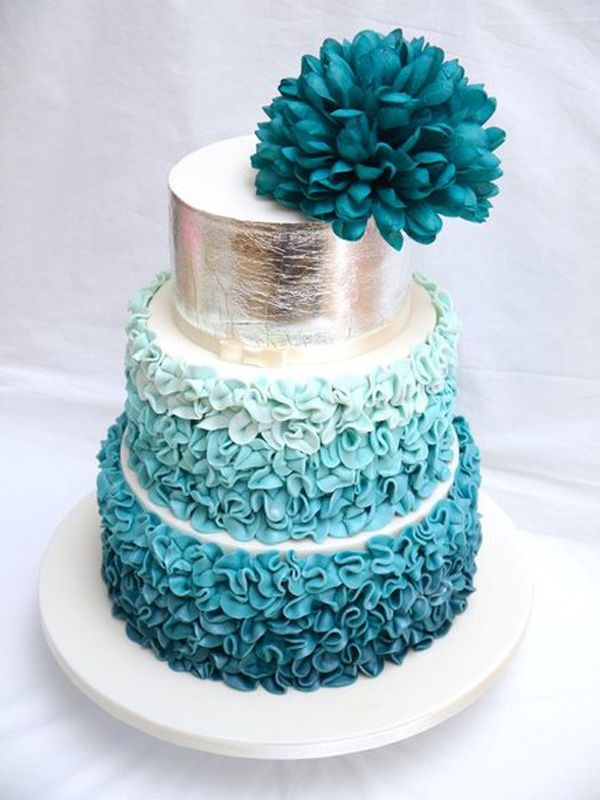 wedding cakes with teal flowers id 233 es mariage turquoise blanc carnet d inspiration 1 26128