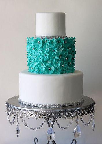 wedding cake turquoise blanc mariage idée