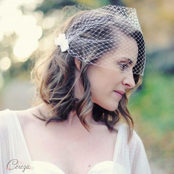 ornement coiffure mariée rétro romantique voilette dentelle perles Melle Cereza