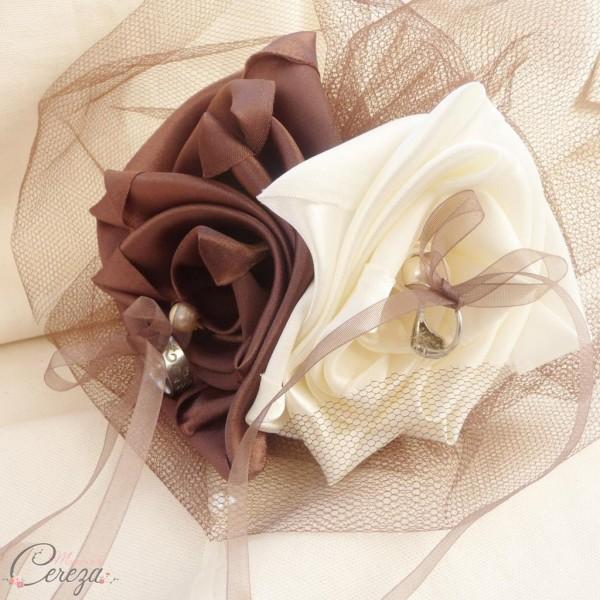 porte alliance original mariage ivoire chocolat fleur