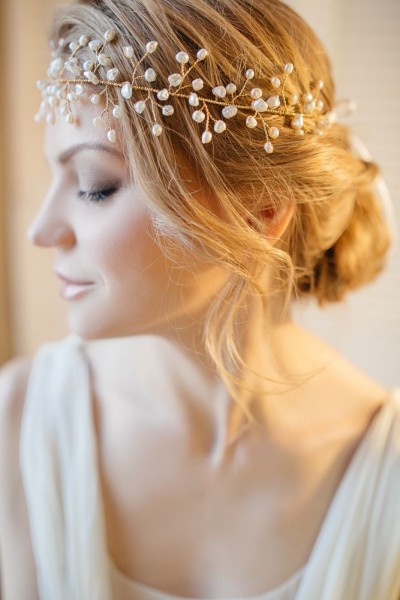 idée coiffure mariage headband couronne perlée 11