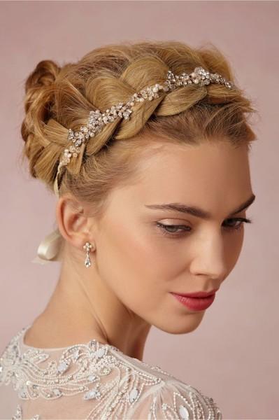 idée coiffure mariage headband couronne perlée 3