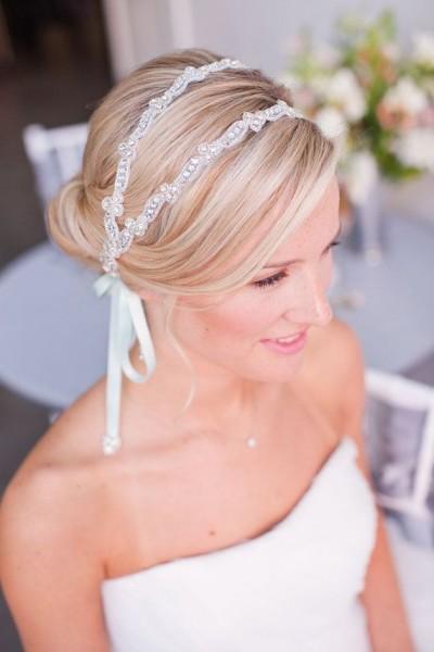 idée coiffure mariage headband couronne perlée 4