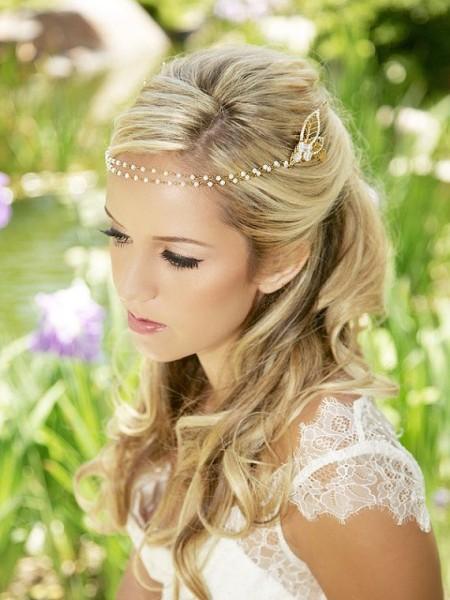 idée coiffure mariage headband couronne perlée 7