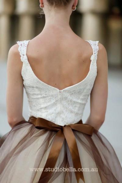 idée originale robe mariage ivoire chocolat robe dentelle ceinture chocolat