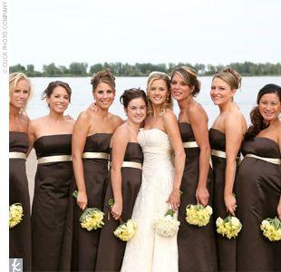 idées dress code tenues demoiselles honneur mariage ivoire chocolat 1