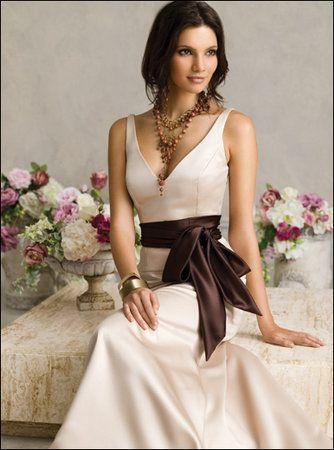 inspirations mariage ivoire chocolat idée robe de mariée satin ivoire ceinture chocolat