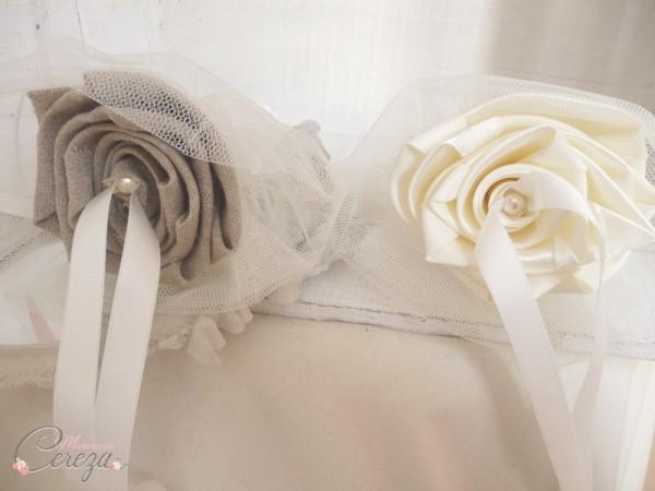 accessoires personnalisés mariage porte alliances champêtre duo lin beige satin ivoire cereza mademoiselle