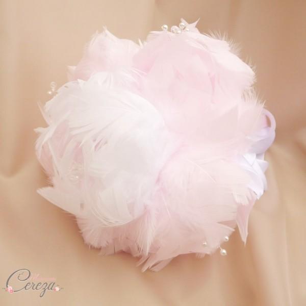 bouquet de mariée pivoine rose blanc plumes bijoux cereza mademoiselle (9)