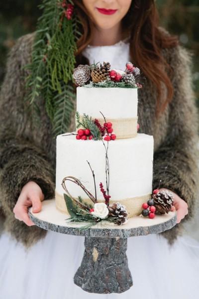 se marier en hiver wedding cake pommes de pin nature