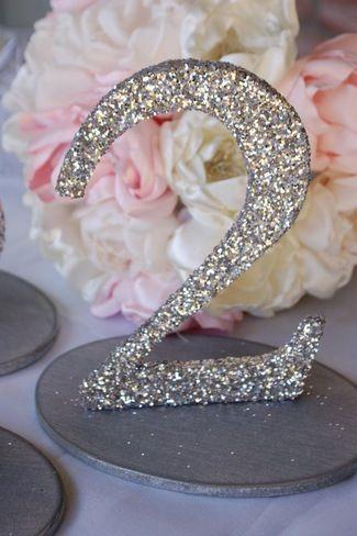 numéros de table mariage 10 idées originales chiffre paillettes glitter diy cereza blog mariage