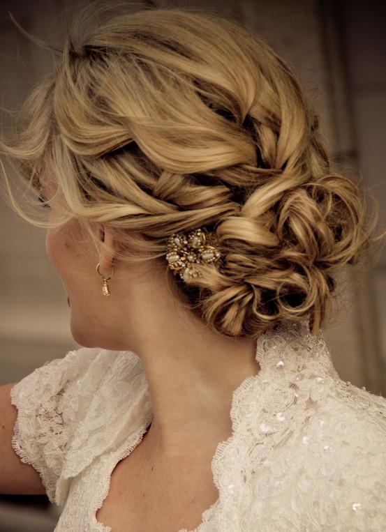 idée coiffure mariée chignon bouclé tressé blog mariage Mademoiselle Cereza