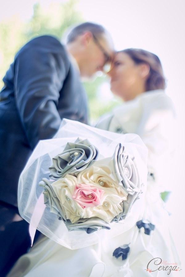bouquet mariee original ivoire gris rose tissu satin bijou cereza mademoiselle