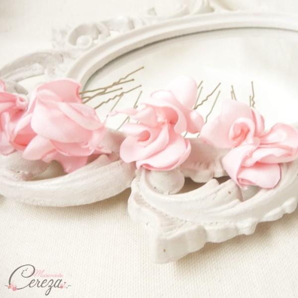 pics chignons petites fleurs rose poudre rose pale Mademoiselle Cereza