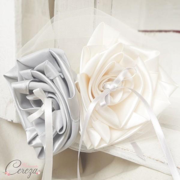 mariage ivoire gris perle argent porte-alliances floral original