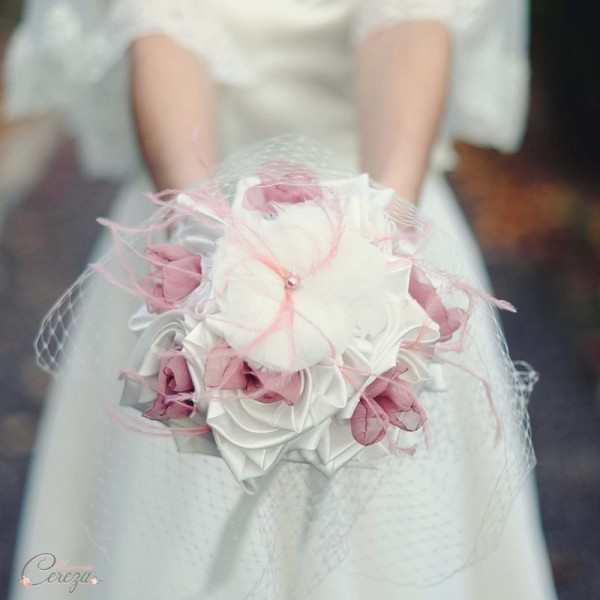 bouquet de mariage alternatif thème rétro vieux rose ivoire