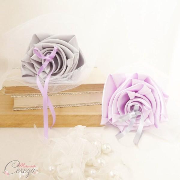 décoration mariage florale mauve gris blanc porte-alliances Duo