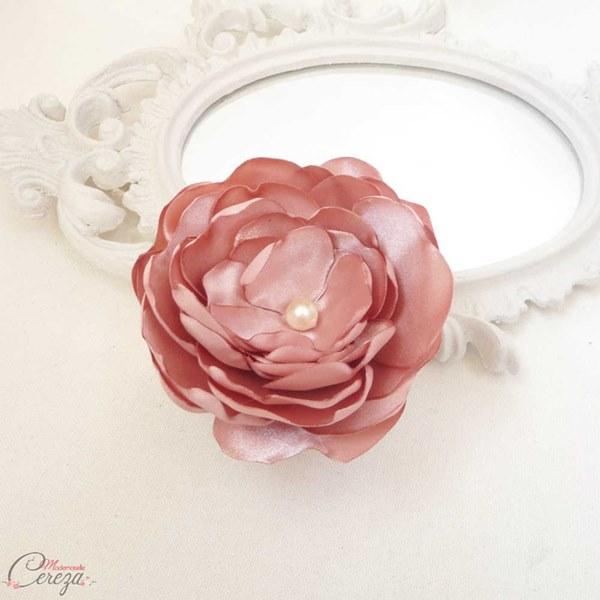 mariage vieux rose ivoire bijou coiffure fleur romantique chic