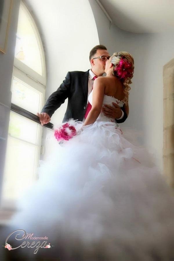 l'idée bouquet de mariée original en tissu satin plumes strass
