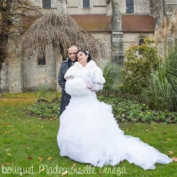 l'idée bouquet de mariée original tissu satin dentelle blanc gris rose