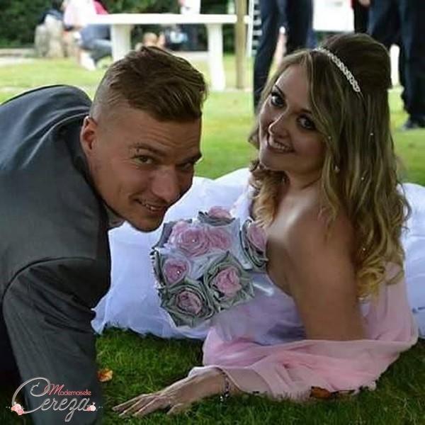 mariage rétro chic à l'américaine gris rose pâle en Bretagne