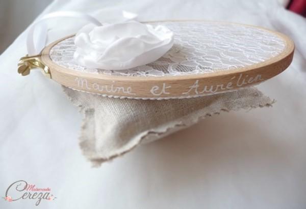 tambour porte-alliances dentelle et fleur Melle Cereza Deco