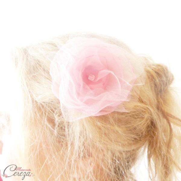 accessoire coiffure romantique fleur rose tulle organza Mademoiselle Cereza