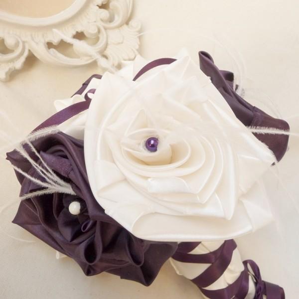bouquet-de-mariee-original-ivoire-prune-plumes-laçage-corset-melle-cereza-deco