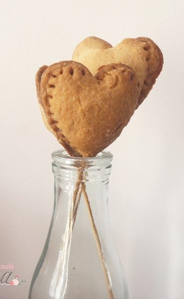 idee-dessert-saint-valentin-melle-cereza-blog-mariage-sucettes-gateaux-coeur